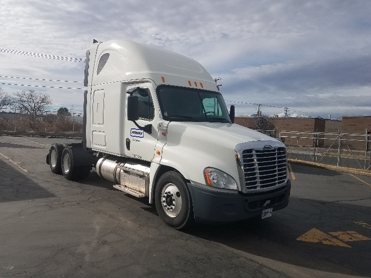 Sleeper Tractor-Heavy Duty Tractors-Freightliner-2014-Cascadia 12564ST-SPOKANE VALLEY-WA-440,421 miles-$55,000