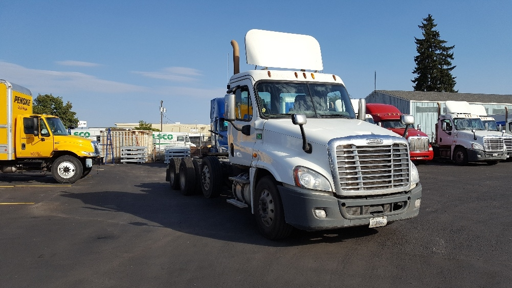 Day Cab Tractor-Heavy Duty Tractors-Freightliner-2014-Cascadia 12584ST-SPOKANE VALLEY-WA-455,452 miles-$68,250