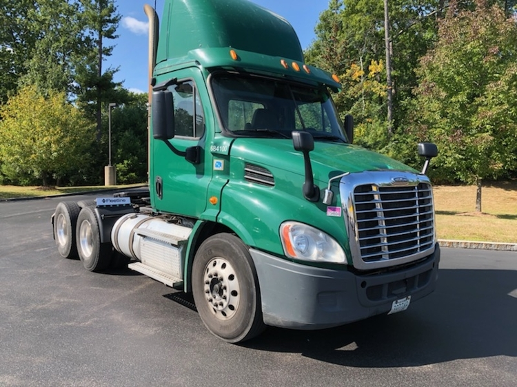Day Cab Tractor-Heavy Duty Tractors-Freightliner-2014-Cascadia 11364ST-LONDONDERRY-NH-404,709 miles-$40,750