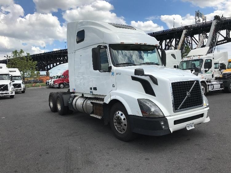 Sleeper Tractor-Heavy Duty Tractors-Volvo-2014-VNL64T670-KEARNY-NJ-478,057 miles-$41,250
