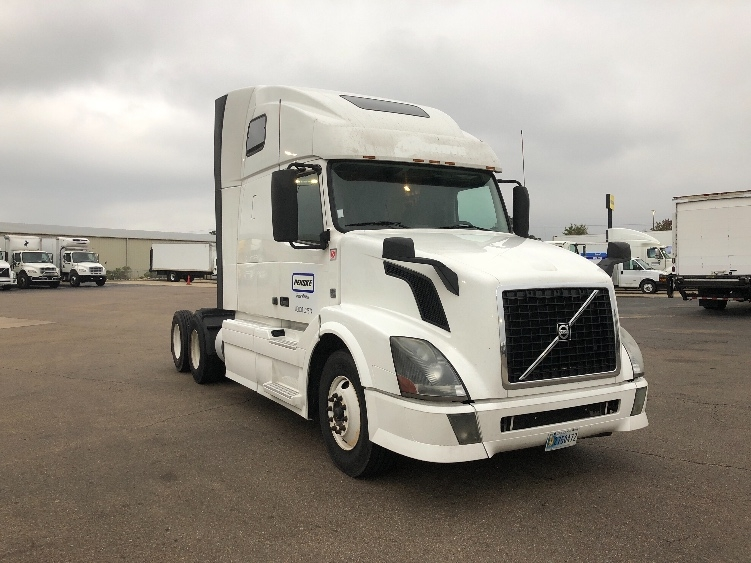 Sleeper Tractor-Heavy Duty Tractors-Volvo-2014-VNL64T670-RICHLAND-MS-556,217 miles-$54,500