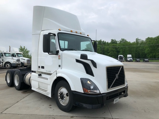 Day Cab Tractor-Heavy Duty Tractors-Volvo-2014-VNL64T300-EAST LIBERTY-OH-386,000 miles-$45,000
