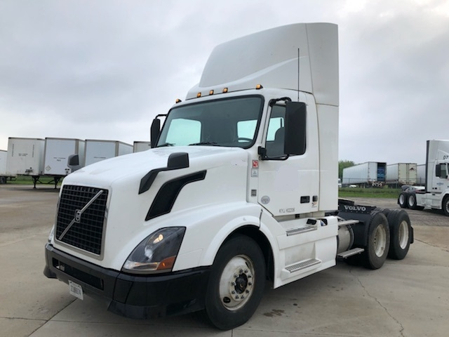 Day Cab Tractor-Heavy Duty Tractors-Volvo-2014-VNL64T300-EAST LIBERTY-OH-399,436 miles-$44,750