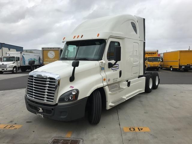 Sleeper Tractor-Heavy Duty Tractors-Freightliner-2014-Cascadia 12564ST-TUCSON-AZ-654,668 miles-$52,000