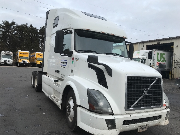 Sleeper Tractor-Heavy Duty Tractors-Volvo-2014-VNL64T670-MANASSAS-VA-535,892 miles-$50,750