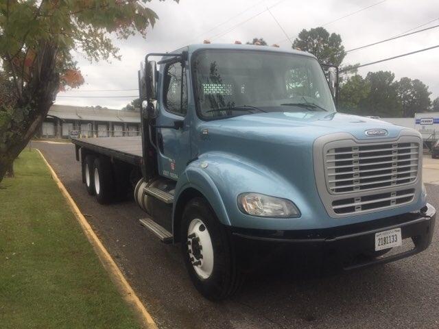 Flatbed Truck-Heavy Duty Tractors-Freightliner-2014-M211264S-HOMEWOOD-AL-225,366 miles-$68,250