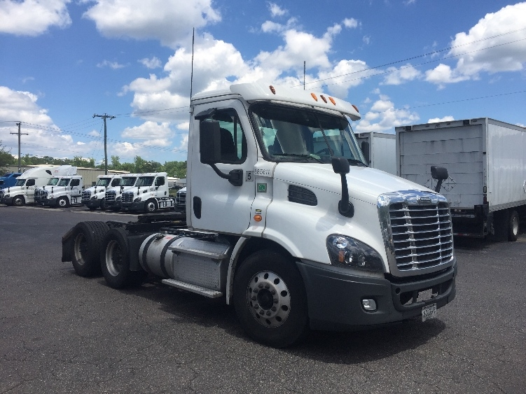 Day Cab Tractor-Heavy Duty Tractors-Freightliner-2014-Cascadia 11364ST-SUFFOLK-VA-647,520 miles-$37,500