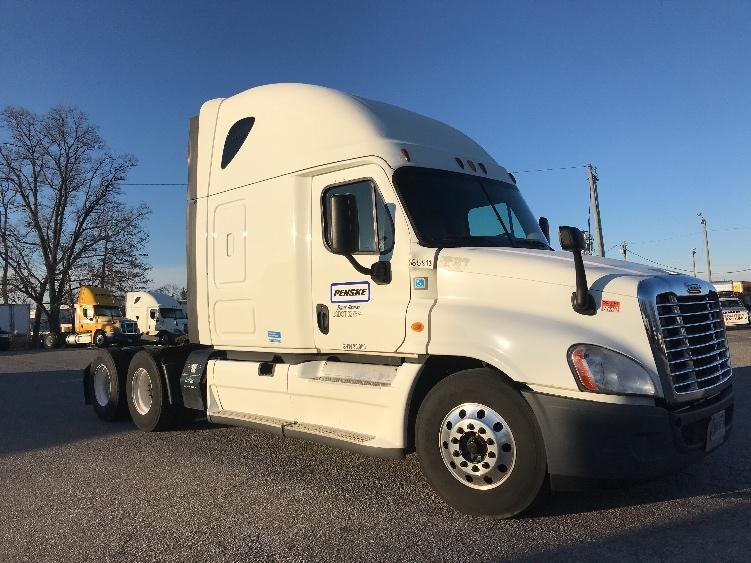 Sleeper Tractor-Heavy Duty Tractors-Freightliner-2014-Cascadia 12564ST-KALAMAZOO-MI-529,933 miles-$47,250