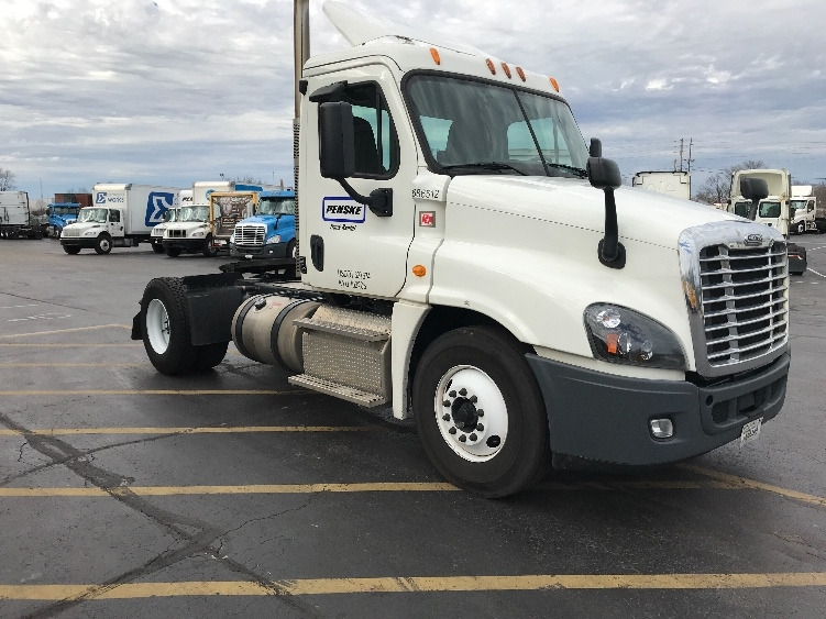 Day Cab Tractor-Heavy Duty Tractors-Freightliner-2014-Cascadia 12542ST-INDIANAPOLIS-IN-397,847 miles-$41,750