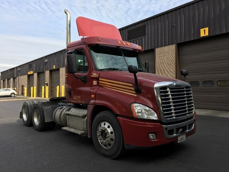 Day Cab Tractor-Heavy Duty Tractors-Freightliner-2014-Cascadia 12564ST-READING-PA-150,398 miles-$64,750