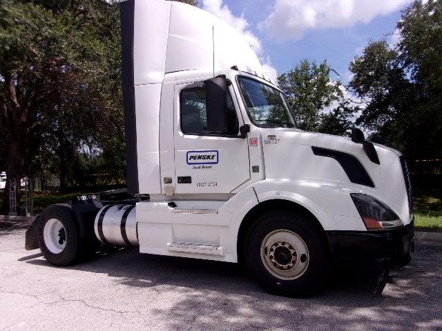 Day Cab Tractor-Heavy Duty Tractors-Volvo-2014-VNL42300-JACKSONVILLE-FL-445,448 miles-$56,500