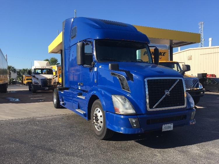 Sleeper Tractor-Heavy Duty Tractors-Volvo-2014-VNL42670-ORLANDO-FL-421,471 miles-$46,500