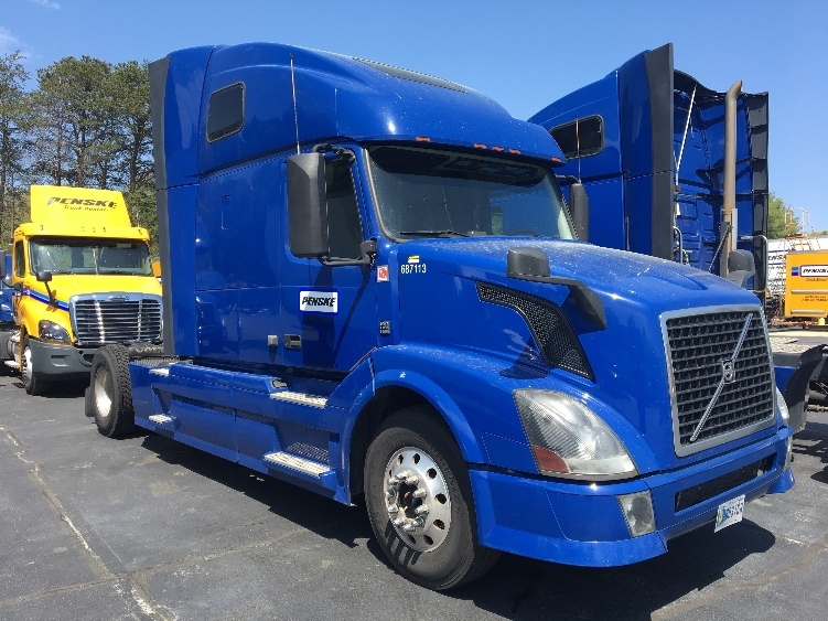 Sleeper Tractor-Heavy Duty Tractors-Volvo-2014-VNL42670-CONOVER-NC-490,209 miles-$48,000