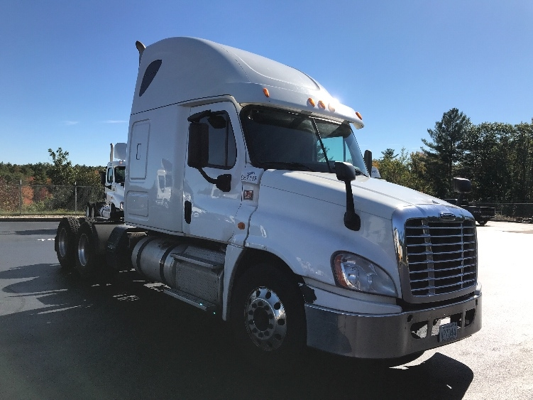 Sleeper Tractor-Heavy Duty Tractors-Freightliner-2014-Cascadia 12564ST-LONDONDERRY-NH-448,099 miles-$46,000