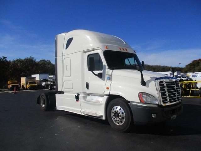 Sleeper Tractor-Heavy Duty Tractors-Freightliner-2014-Cascadia 12542ST-CARLISLE-PA-674,190 miles-$35,500