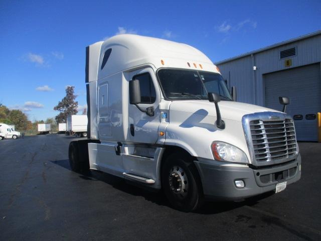 Sleeper Tractor-Heavy Duty Tractors-Freightliner-2014-Cascadia 12542ST-CARLISLE-PA-725,113 miles-$35,500