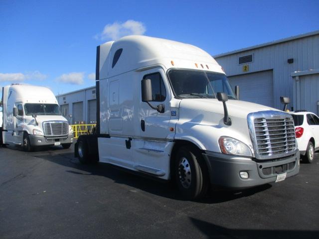 Sleeper Tractor-Heavy Duty Tractors-Freightliner-2014-Cascadia 12542ST-CARLISLE-PA-612,612 miles-$35,500