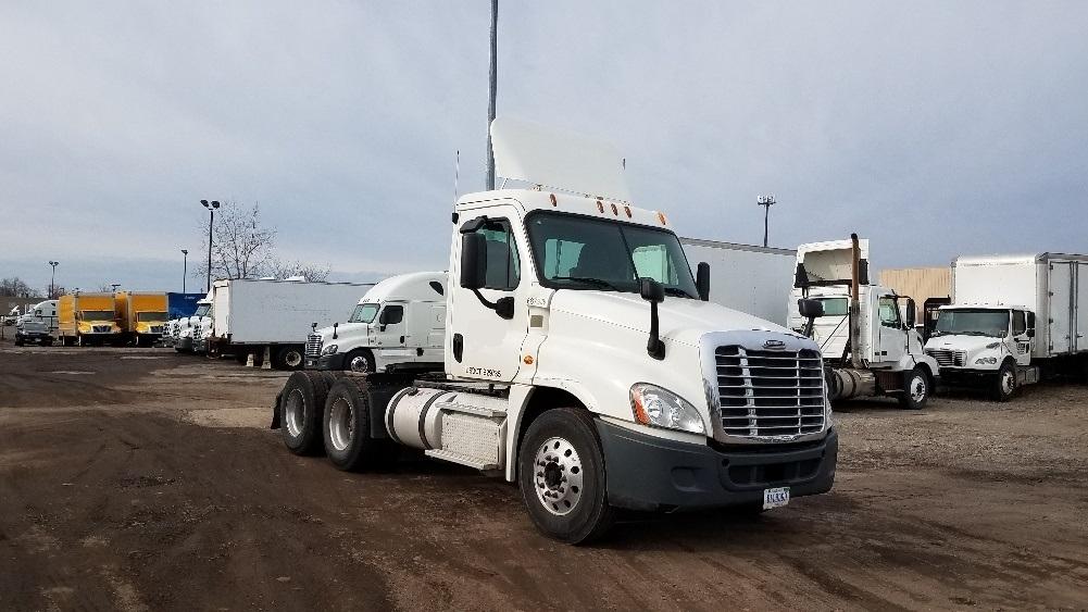 Day Cab Tractor-Heavy Duty Tractors-Freightliner-2014-Cascadia 12564ST-WARREN-MI-89,460 miles-$53,500