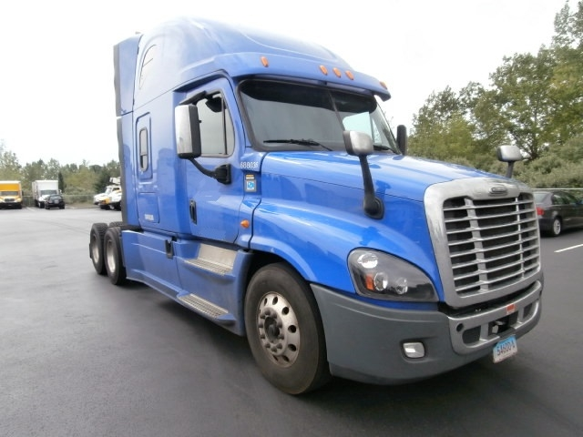 Sleeper Tractor-Heavy Duty Tractors-Freightliner-2014-Cascadia 12564ST-WEST HAVEN-CT-542,268 miles-$47,000