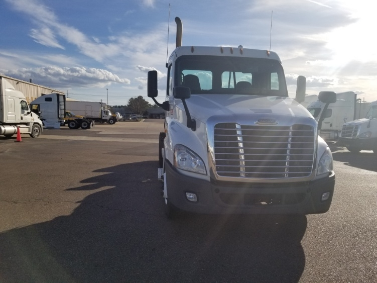 Day Cab Tractor-Heavy Duty Tractors-Freightliner-2014-Cascadia 12564ST-RICHLAND-MS-387,305 miles-$51,750