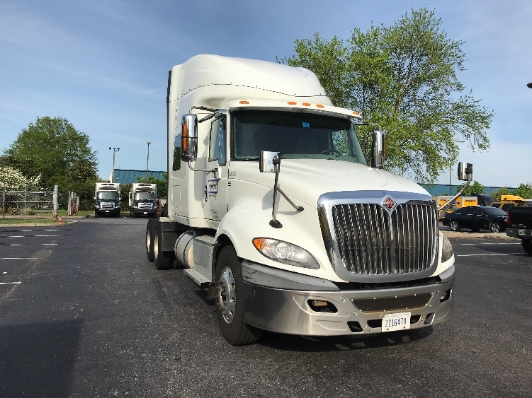 Sleeper Tractor-Heavy Duty Tractors-International-2014-ProStar-CHESAPEAKE-VA-440,356 miles-$36,000