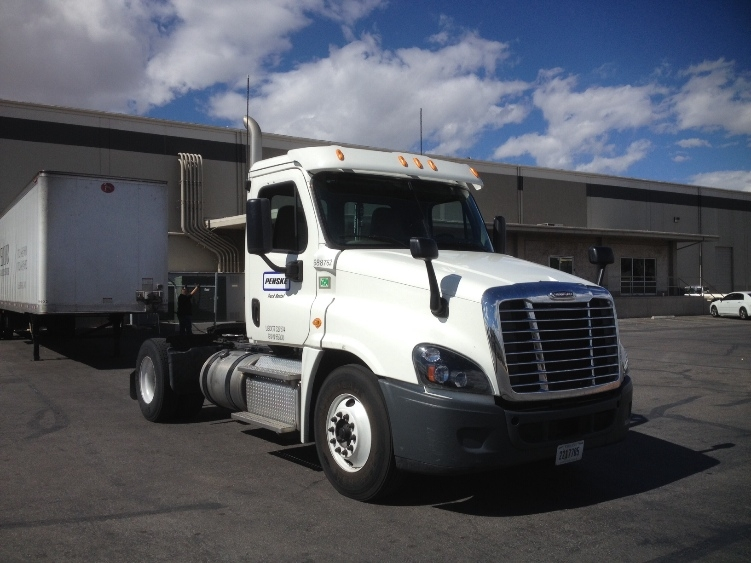 Day Cab Tractor-Heavy Duty Tractors-Freightliner-2015-Cascadia 12542ST-NORTH LAS VEGAS-NV-179,855 miles-$78,750