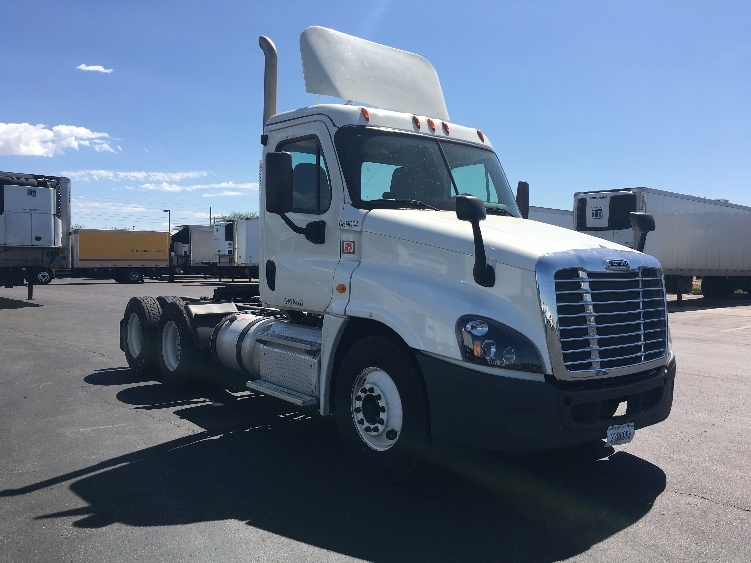 Day Cab Tractor-Heavy Duty Tractors-Freightliner-2015-Cascadia 12564ST-PHOENIX-AZ-250,584 miles-$46,500