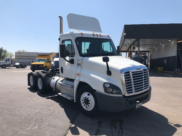 Day Cab Tractor-Heavy Duty Tractors-Freightliner-2015-Cascadia 12564ST-PHOENIX-AZ-404,194 miles-$57,500