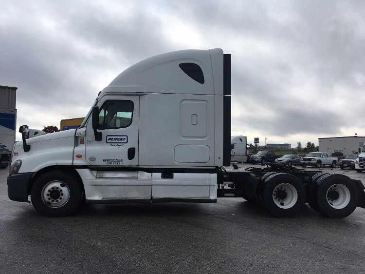 Sleeper Tractor-Heavy Duty Tractors-Freightliner-2015-Cascadia 12564ST-OMAHA-NE-591,934 miles-$50,750
