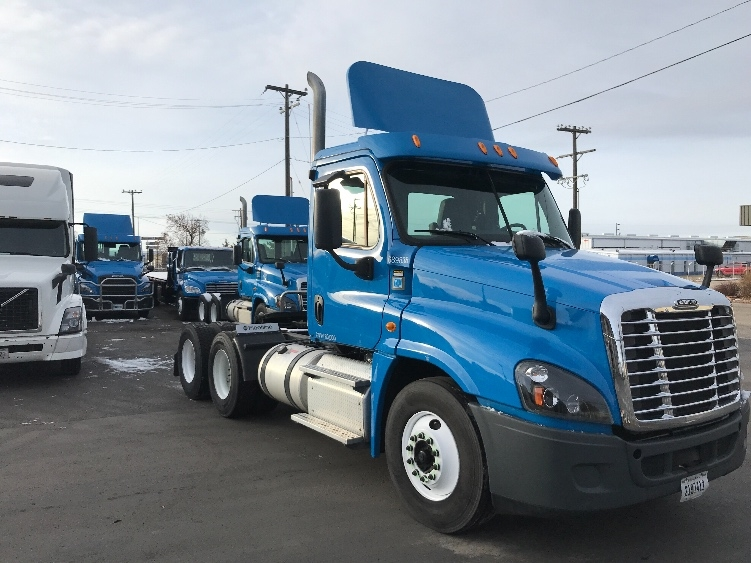 Day Cab Tractor-Heavy Duty Tractors-Freightliner-2014-Cascadia 12564ST-BOISE-ID-80,214 miles-$53,000