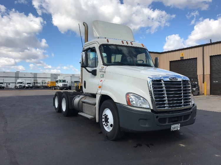 Day Cab Tractor-Heavy Duty Tractors-Freightliner-2014-Cascadia 12564ST-INDIANAPOLIS-IN-433,296 miles-$45,500
