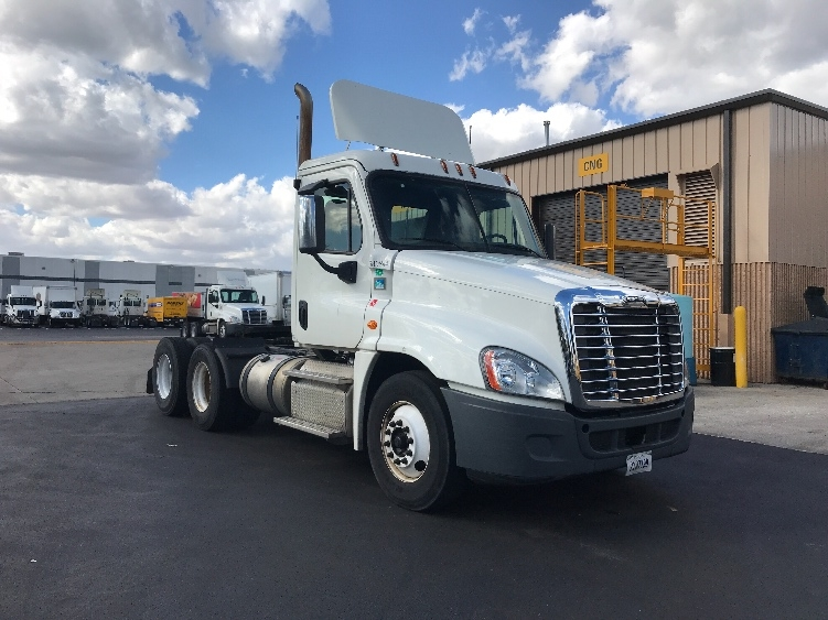 Day Cab Tractor-Heavy Duty Tractors-Freightliner-2014-Cascadia 12564ST-INDIANAPOLIS-IN-430,655 miles-$45,500