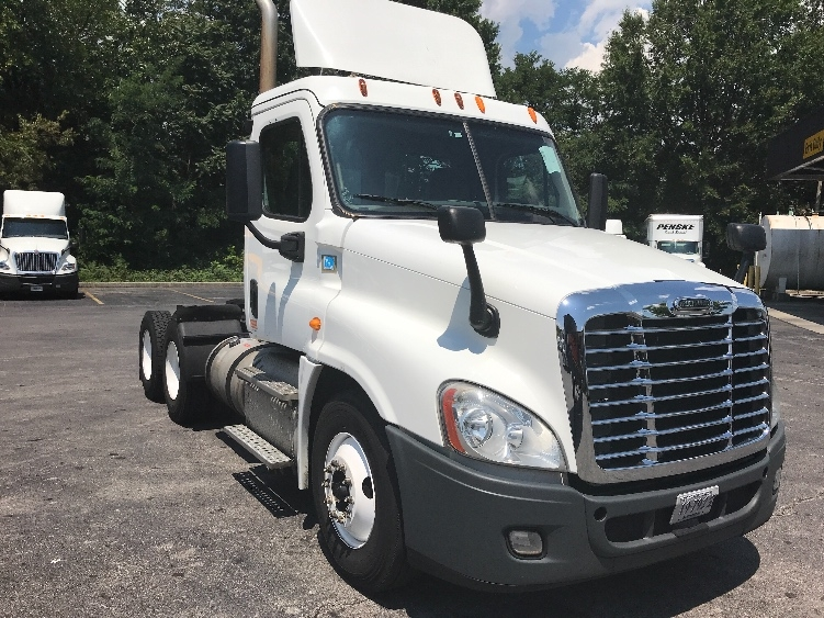 Day Cab Tractor-Heavy Duty Tractors-Freightliner-2014-Cascadia 12564ST-SALEM-VA-372,443 miles-$36,500