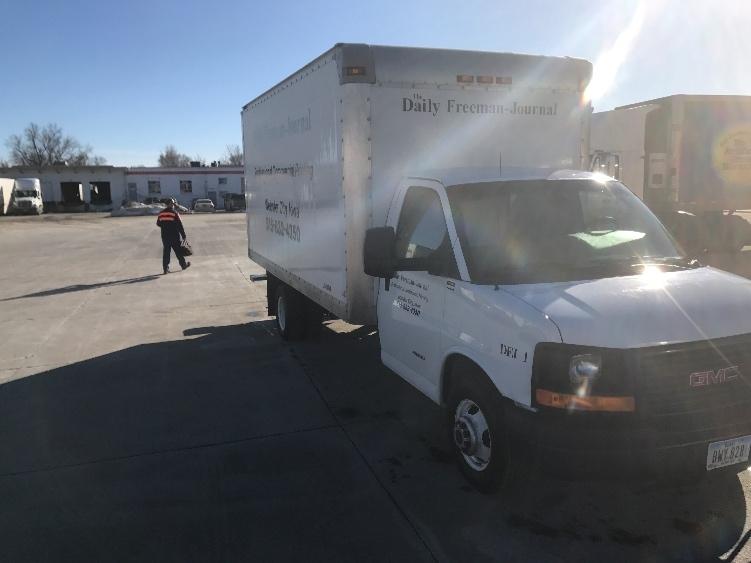 Light Duty Box Truck-Light and Medium Duty Trucks-GMC-2014-Savana G33903-DES MOINES-IA-171,703 miles-$15,500