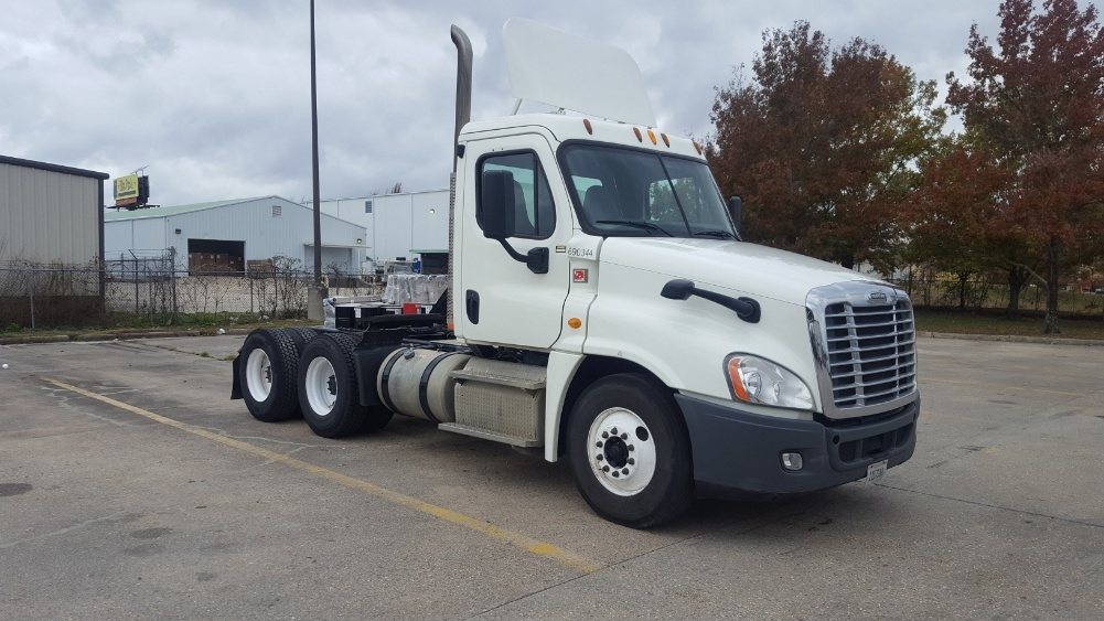 Day Cab Tractor-Heavy Duty Tractors-Freightliner-2014-Cascadia 12564ST-HAMMOND-LA-168,808 miles-$66,000