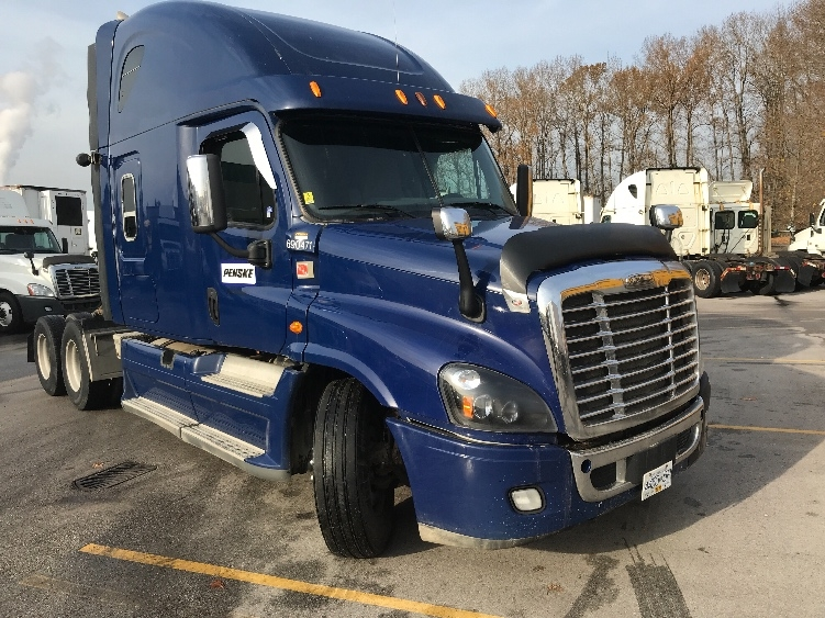 Sleeper Tractor-Heavy Duty Tractors-Freightliner-2014-Cascadia 12564ST-DELTA-BC-892,703 km-$45,500