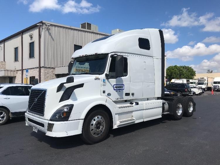 Sleeper Tractor-Heavy Duty Tractors-Volvo-2015-VNL64T670-RIVIERA BEACH-FL-526,403 miles-$42,000