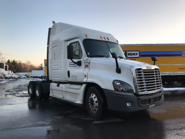 Sleeper Tractor-Heavy Duty Tractors-Freightliner-2014-Cascadia 12564ST-CAPITOL HEIGHTS-MD-721,763 miles-$31,750