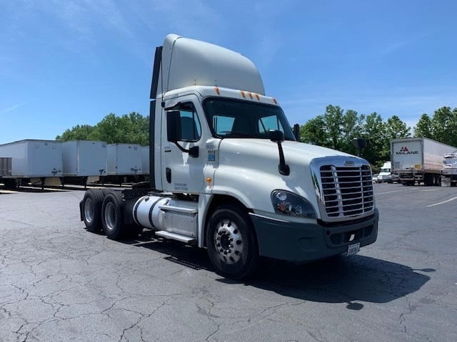 Day Cab Tractor-Heavy Duty Tractors-Freightliner-2014-Cascadia 12564ST-BENSALEM-PA-246,318 miles-$48,250