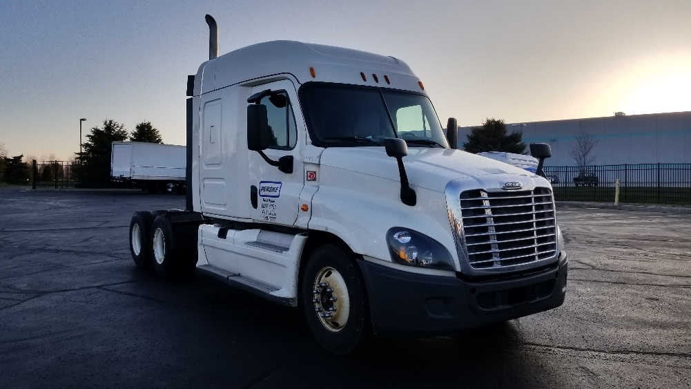Sleeper Tractor-Heavy Duty Tractors-Freightliner-2014-Cascadia 12564ST-SOUTH BEND-IN-340,094 miles-$62,250