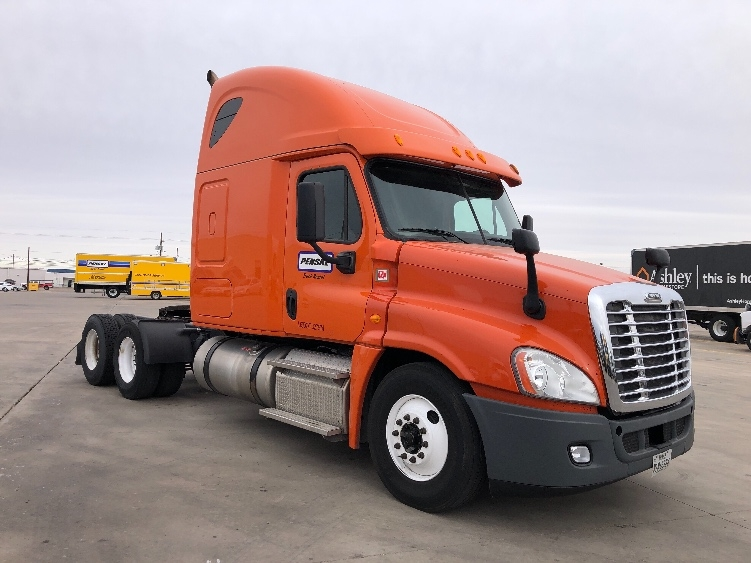 Sleeper Tractor-Heavy Duty Tractors-Freightliner-2014-Cascadia 12564ST-BETHLEHEM-PA-460,655 miles-$50,500