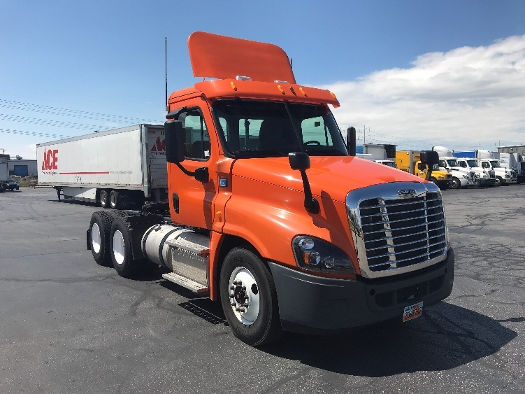 Day Cab Tractor-Heavy Duty Tractors-Freightliner-2014-Cascadia 12564ST-SALT LAKE CITY-UT-405,296 miles-$45,750