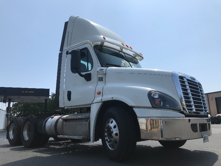 Day Cab Tractor-Heavy Duty Tractors-Freightliner-2014-Cascadia 12564ST-NEW CASTLE-DE-216,178 miles-$46,500