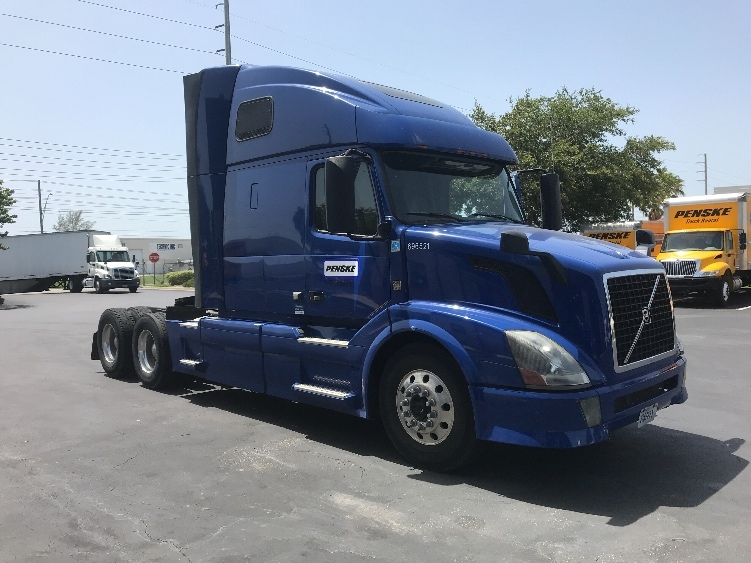 Sleeper Tractor-Heavy Duty Tractors-Volvo-2015-VNL64T670-TALLAHASSEE-FL-607,931 miles-$36,700