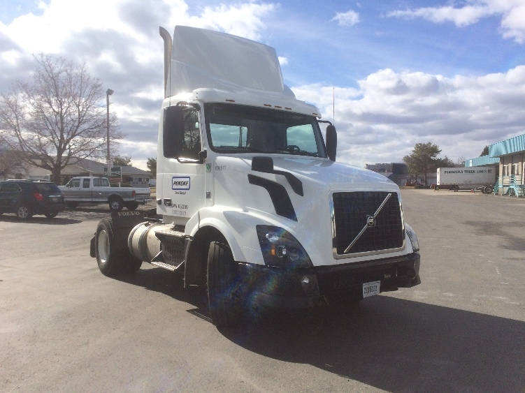 Day Cab Tractor-Heavy Duty Tractors-Volvo-2015-VNL42300-BOISE-ID-110,809 miles-$71,250