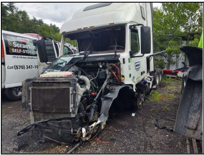 Sleeper Tractor-Heavy Duty Tractors-Volvo-2015-VNL64T670-POPLAR BLUFF-MO-486,205 miles-$45,250