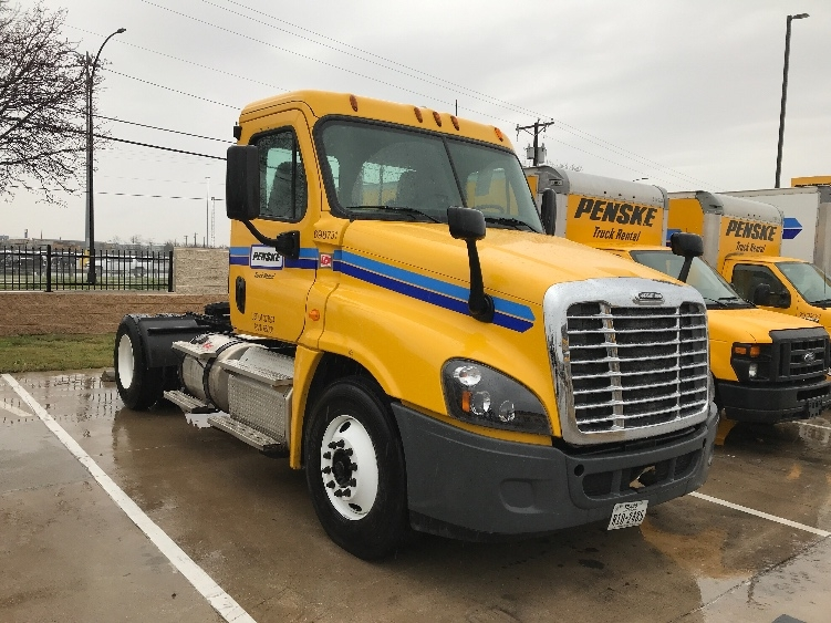 Day Cab Tractor-Heavy Duty Tractors-Freightliner-2015-Cascadia 12542ST-ARLINGTON-TX-139,477 miles-$65,250