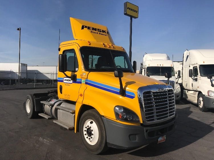 Day Cab Tractor-Heavy Duty Tractors-Freightliner-2015-Cascadia 12542ST-WEST VALLEY CITY-UT-180,543 miles-$50,750
