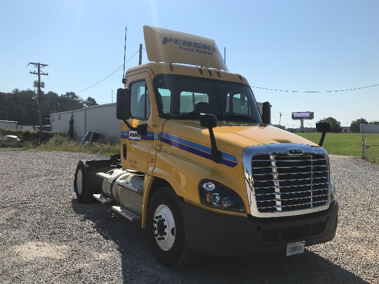Day Cab Tractor-Heavy Duty Tractors-Freightliner-2015-Cascadia 12542ST-PELAHATCHIE-MS-112,730 miles-$55,000