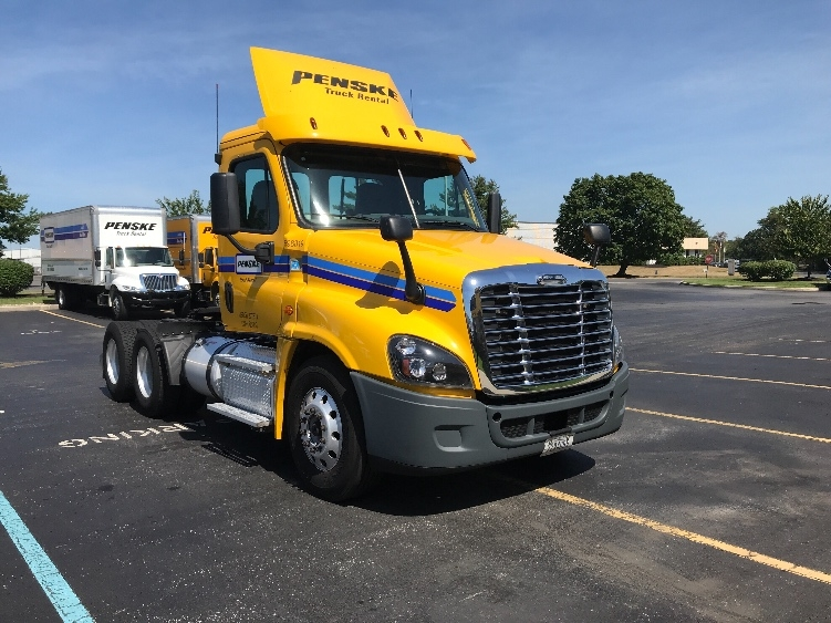 Day Cab Tractor-Heavy Duty Tractors-Freightliner-2015-Cascadia 12564ST-BELCAMP-MD-220,534 miles-$51,750